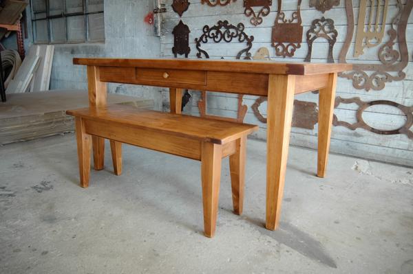 Simple Pine Desk…