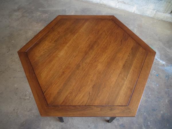 Hexagonal Game table